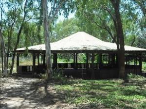 Geiki Gorge shelter 1 danielle wegener